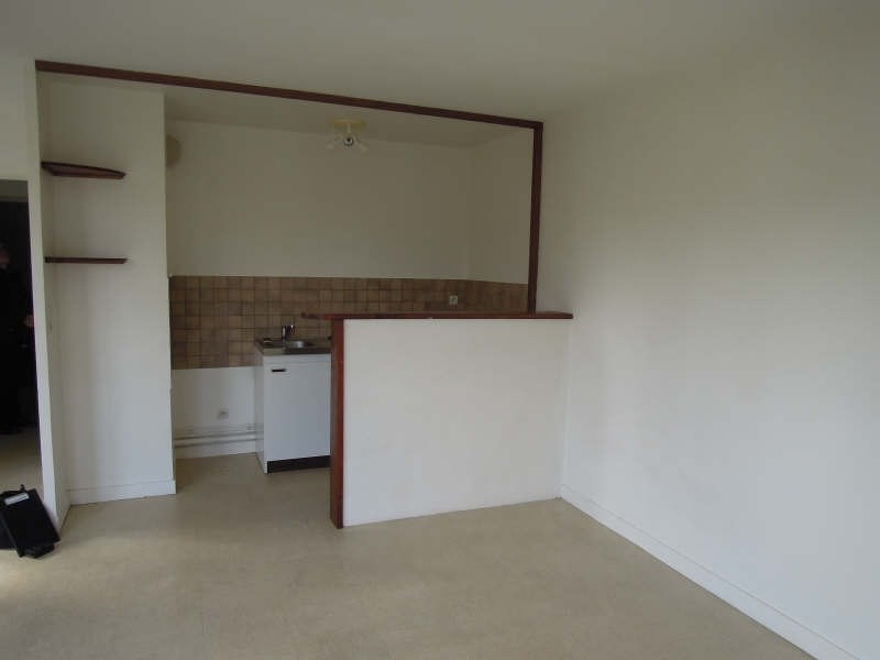 Rental apartment Crepy en valois 470€ CC - Picture 2