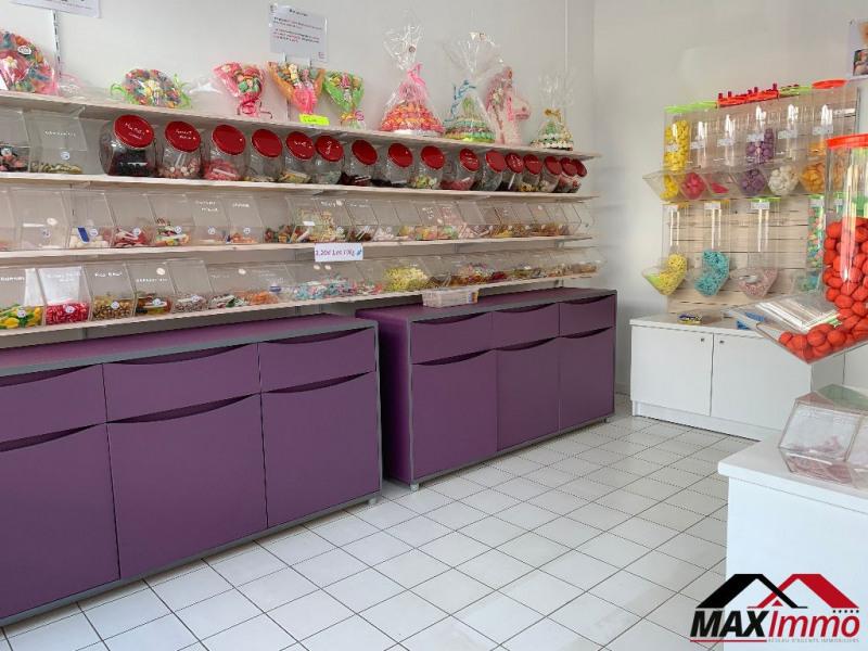 Location local commercial Saint pierre 1476€ HC - Photo 3
