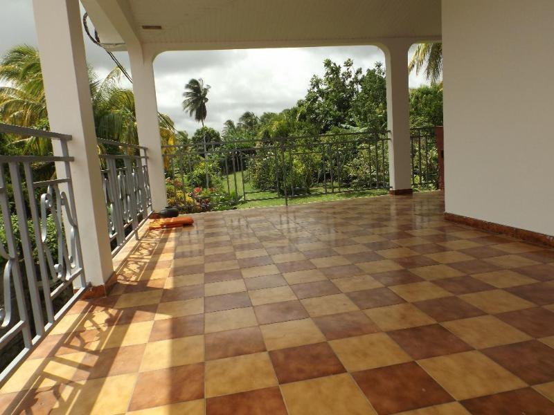 Sale house / villa Lamentin 346500€ - Picture 2