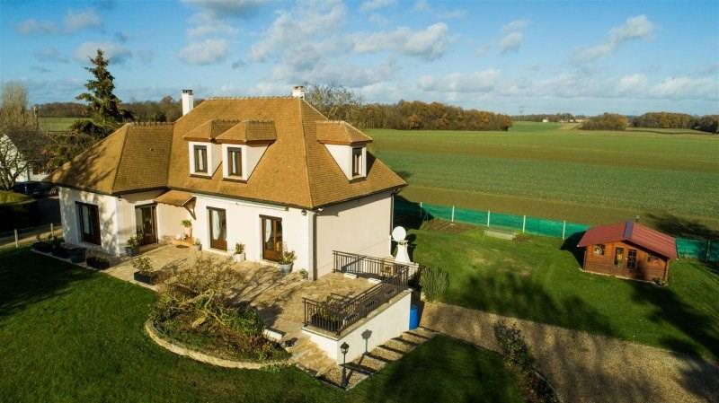 Sale house / villa Breval 360000€ - Picture 2