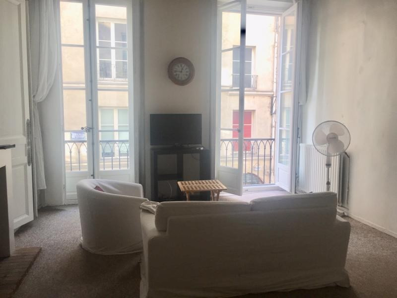 Location appartement Paris 6ème 2 800€ CC - Photo 2