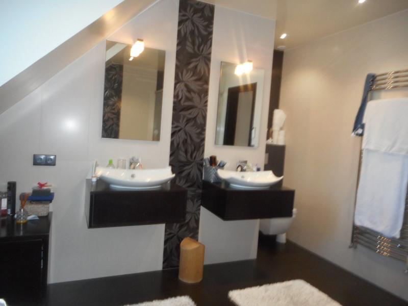 Sale house / villa Ormesson sur marne 829600€ - Picture 2