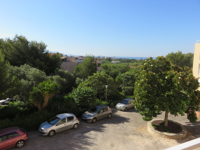 Rental apartment Bandol 1 100€ CC - Picture 2