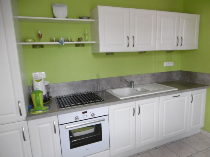 Sale house / villa Yvre l eveque 215250€ - Picture 6
