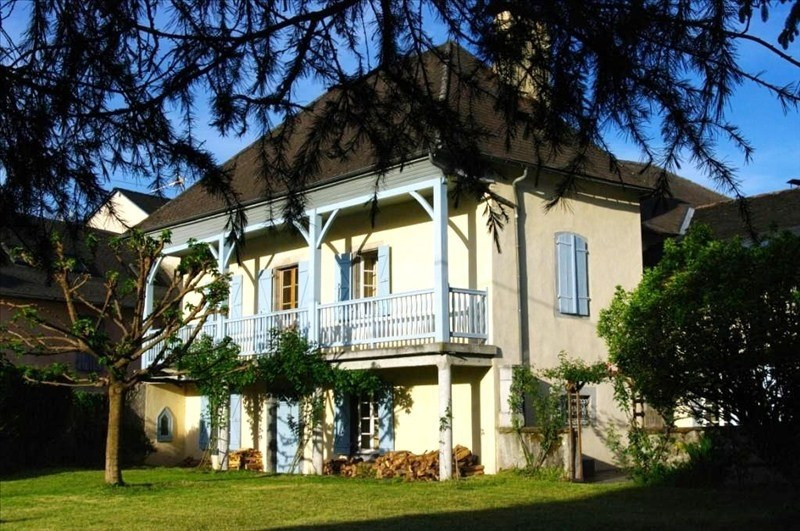 Sale house / villa Louvie juzon 395 000€ - Picture 1