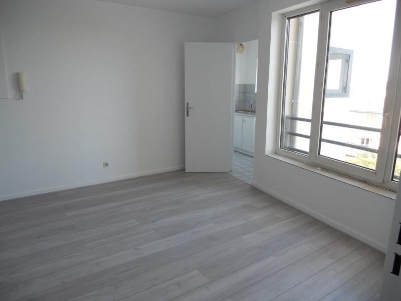 Rental apartment Noisy le grand 765€ CC - Picture 2