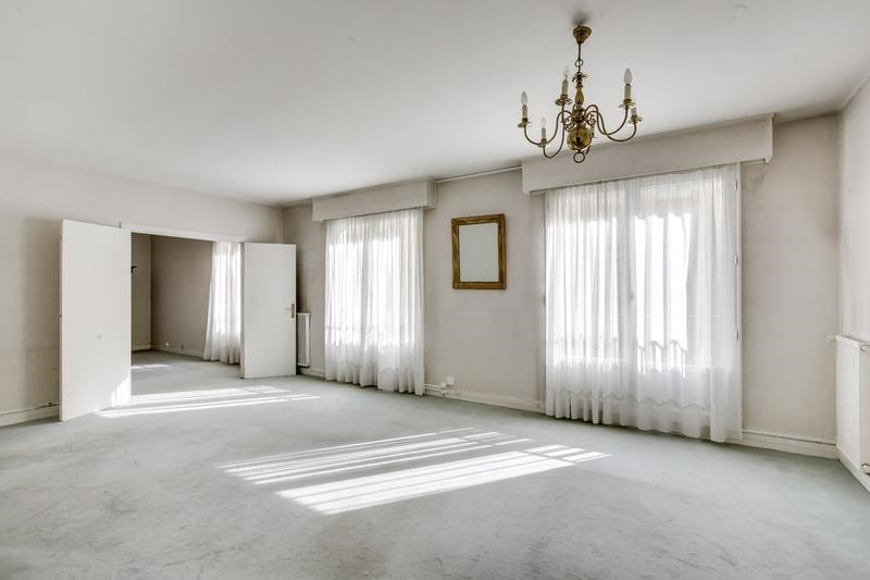 Sale apartment Versailles 875 000€ - Picture 1