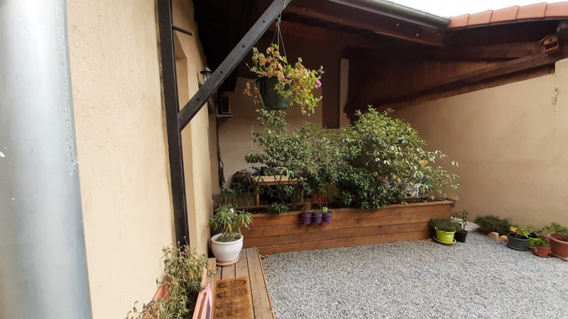 Sale apartment Charly 298000€ - Picture 2