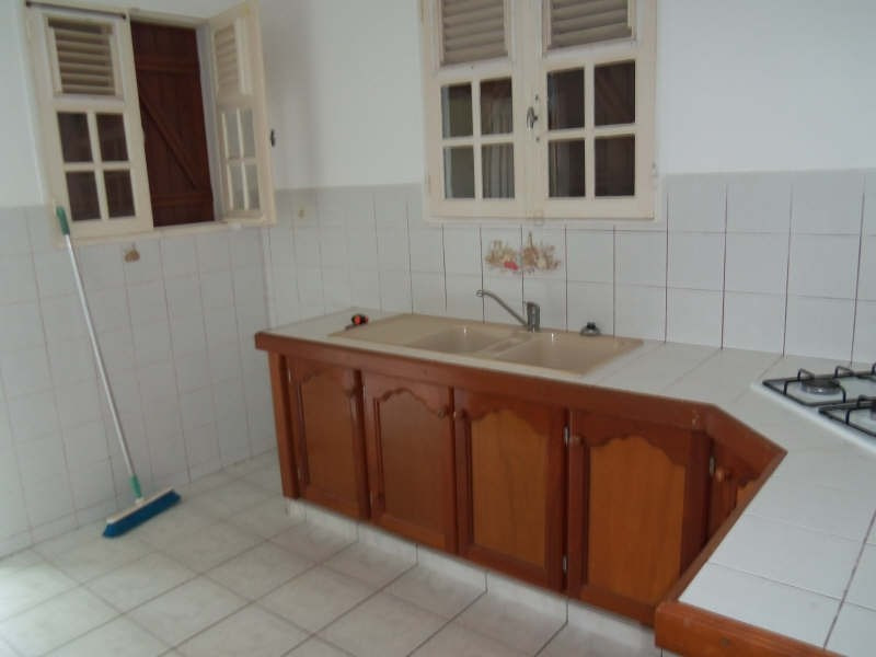 Location maison / villa St francois 750€ CC - Photo 7