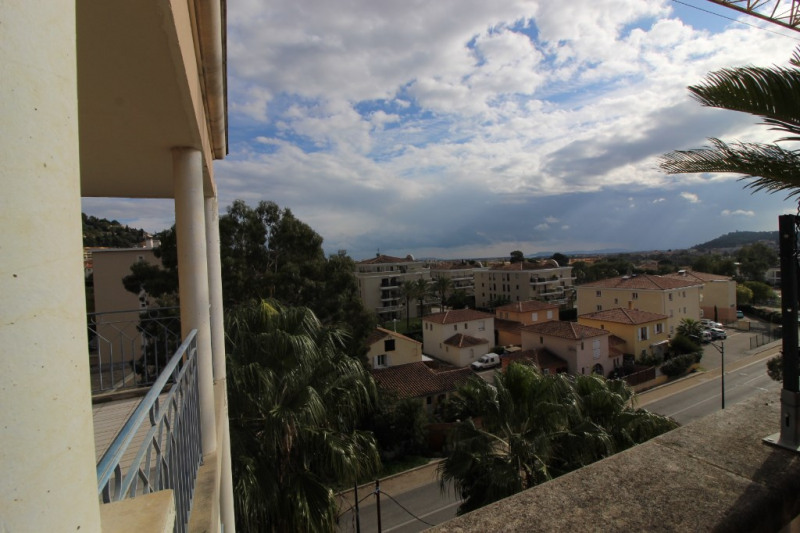 Vendita appartamento Hyeres 286000€ - Fotografia 8