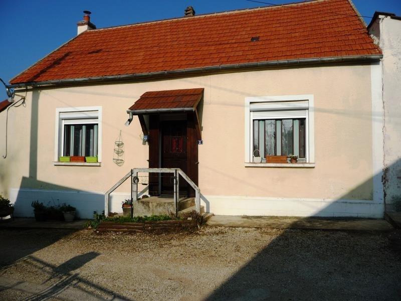 Sale house / villa Broin 81000€ - Picture 1