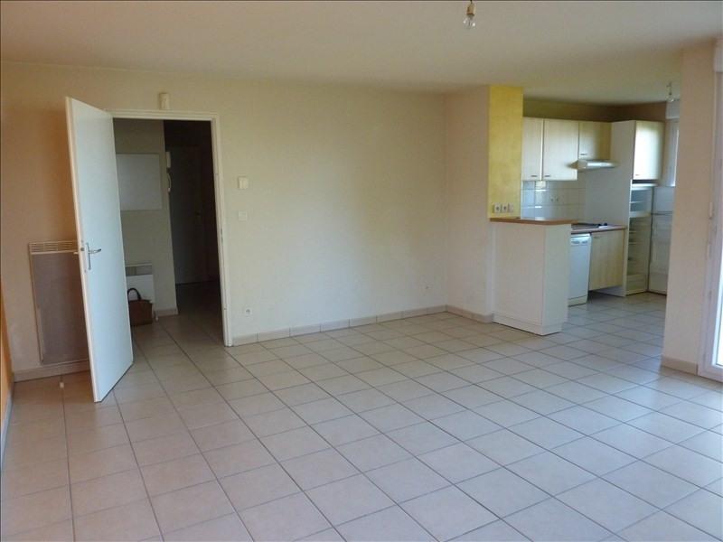 Rental apartment Vendome 523€ CC - Picture 2