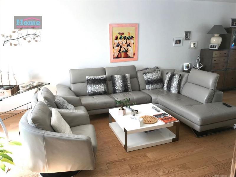 Sale house / villa Le mesnil le roi 884000€ - Picture 2