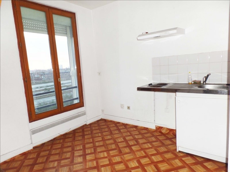 Rental apartment La plaine st denis 1 020€ CC - Picture 2