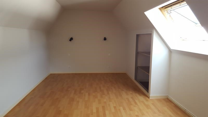 Rental apartment Quimperle 360€ CC - Picture 2