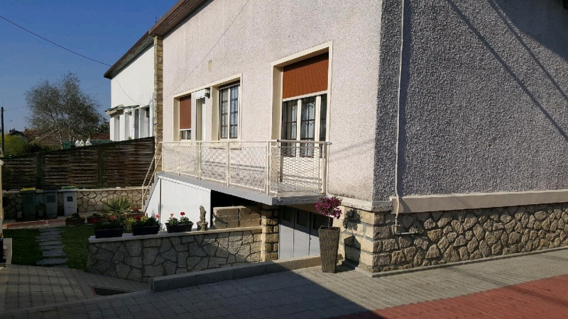 Sale house / villa Frepillon 315000€ - Picture 1