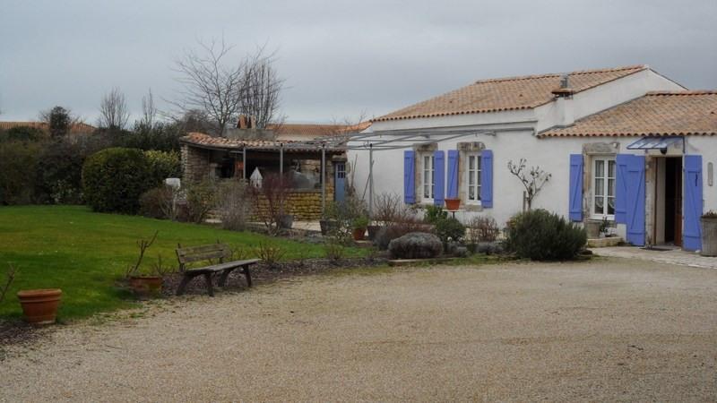 Deluxe sale house / villa Chatelaillon plage 602400€ - Picture 1