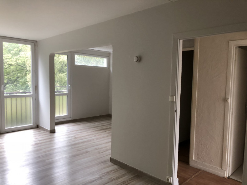 Sale apartment Lille 111 000€ - Picture 1