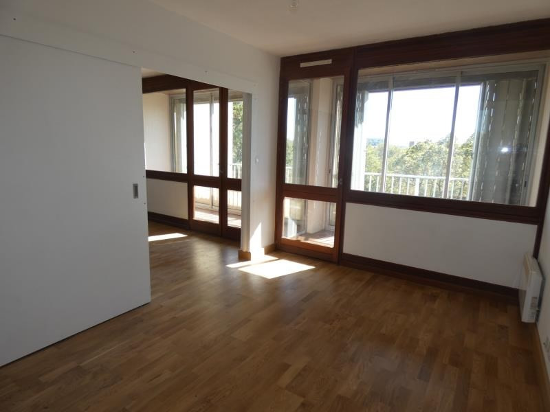 Rental apartment Montelimar 640€ CC - Picture 2