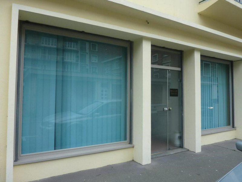 Location local commercial Lisieux 710€ CC - Photo 1