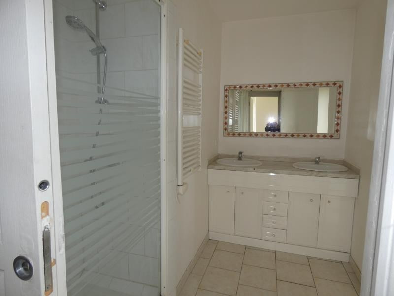 Rental apartment Cruas 425€ CC - Picture 2