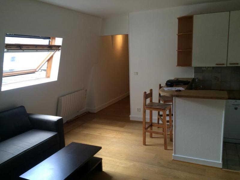 Rental apartment Paris 17ème 1230€ CC - Picture 1