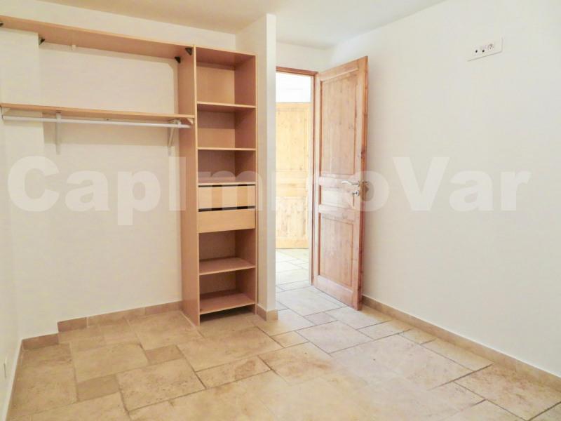 Rental apartment Le beausset 690€ CC - Picture 5