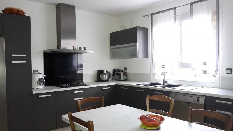 Sale house / villa Labruguiere 210000€ - Picture 3