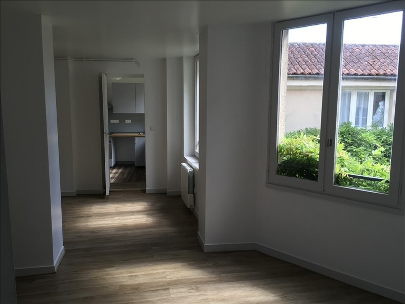 Rental apartment Poitiers 625€ CC - Picture 3