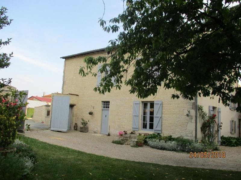 Sale house / villa La foye monjault 280000€ - Picture 1