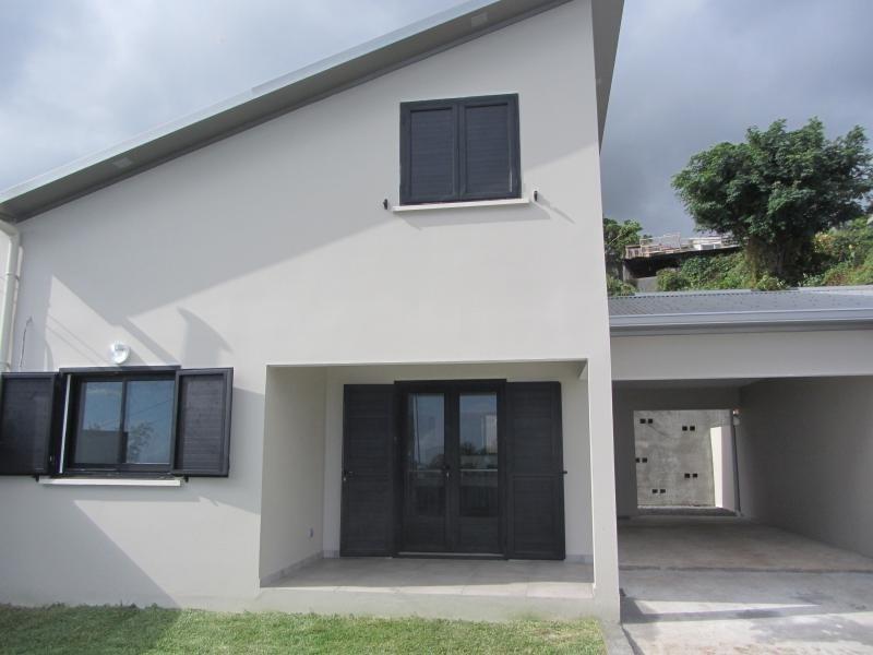 Rental house / villa St leu 900€ CC - Picture 1