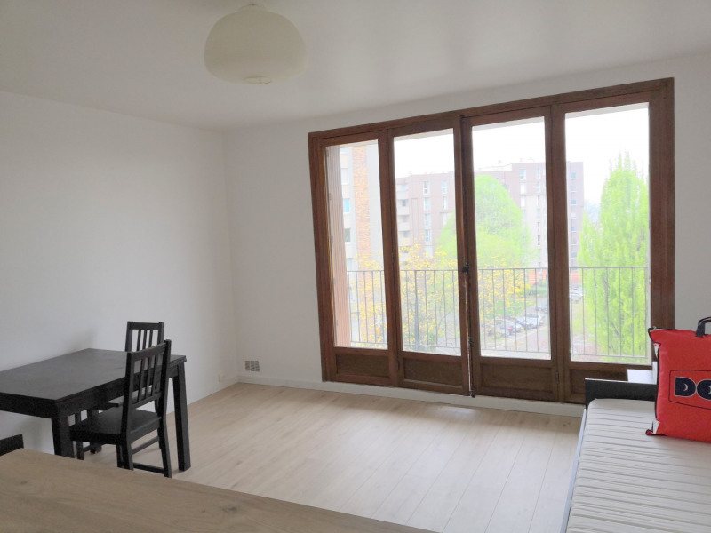 Rental apartment Fresnes 720€ CC - Picture 1