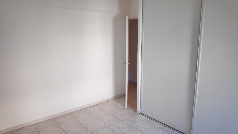 Location appartement Saint laurent du var 850€ CC - Photo 4