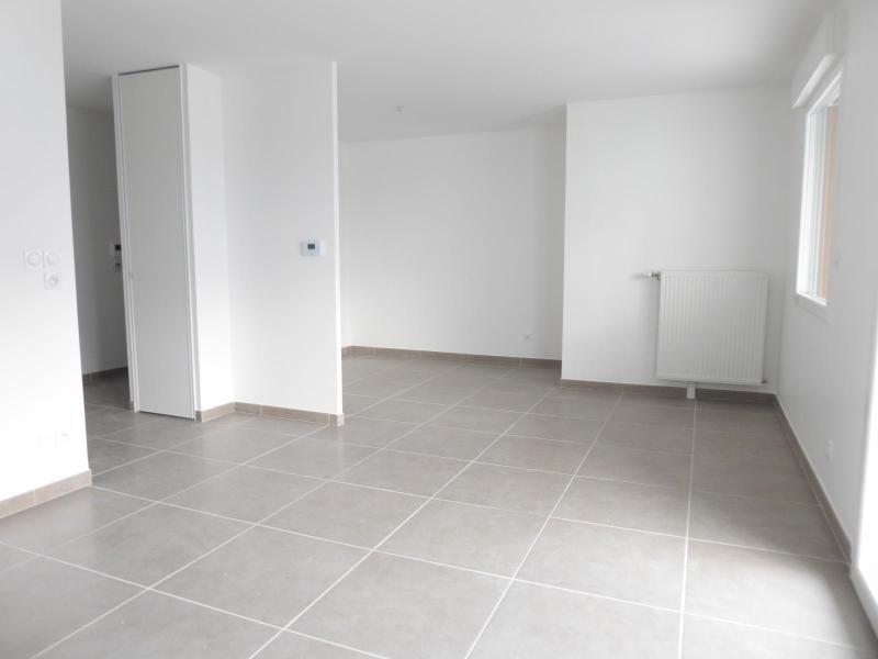 Location appartement Chevigny saint sauveur 480€ CC - Photo 3