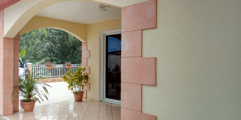 Sale house / villa L etang sale 295 000€ - Picture 3