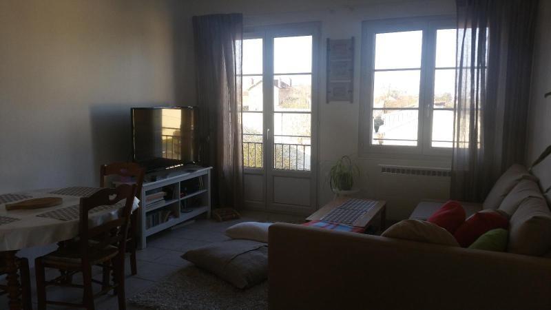 Rental apartment St thibault des vignes 790€ CC - Picture 2