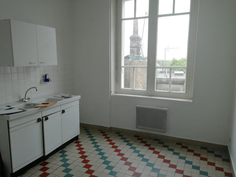 Rental apartment Chateau renault 435€ CC - Picture 5