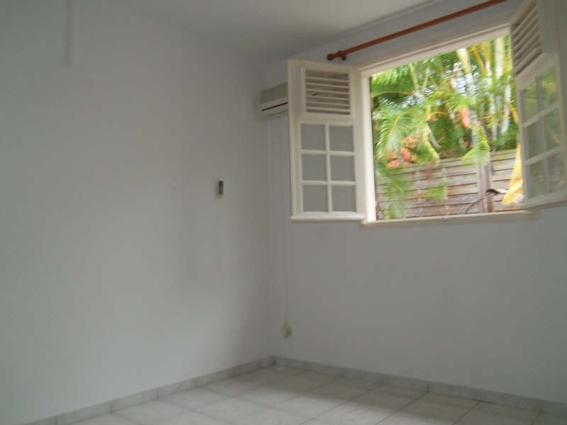 Location maison / villa St francois 750€ CC - Photo 13