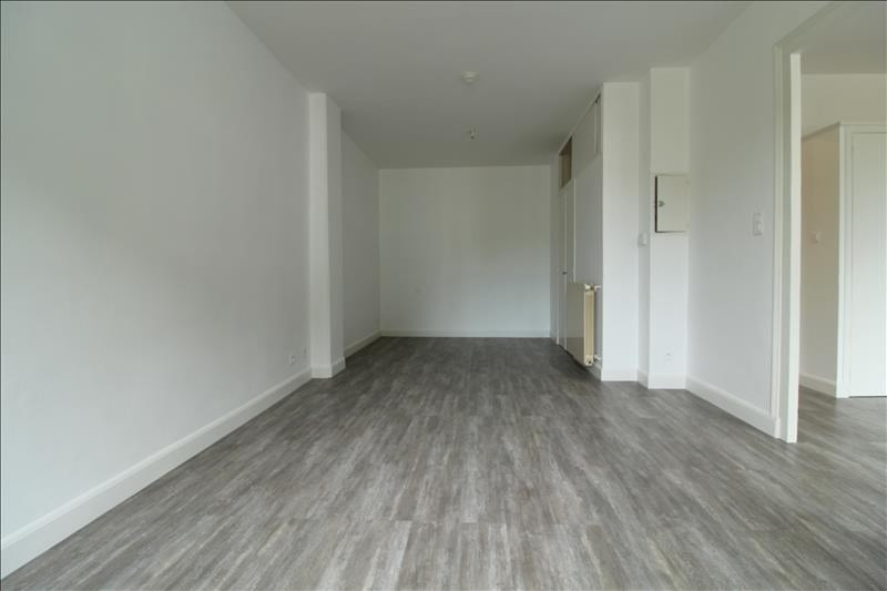 Location appartement Voiron 425€ CC - Photo 2