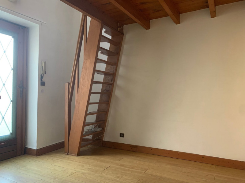 Location appartement La ville du bois 409€ CC - Photo 2