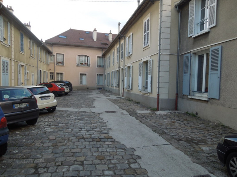 Location appartement Melun 634€ CC - Photo 1