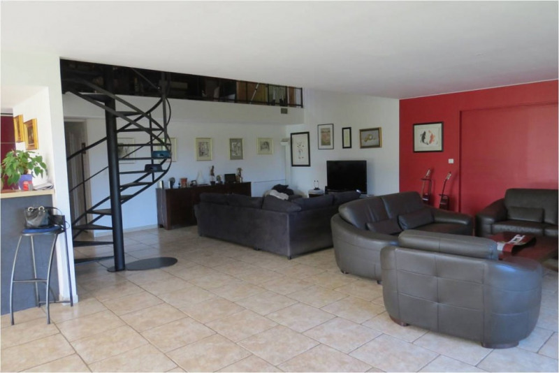 Deluxe sale house / villa Meyrals 599 000€ - Picture 4
