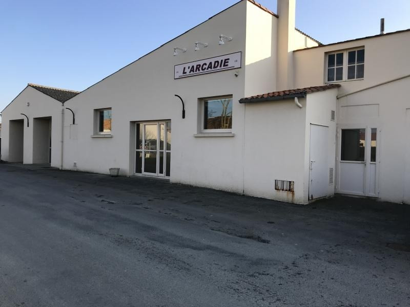 Vente local commercial La salle et chapelle aubr 210 900€ - Photo 1