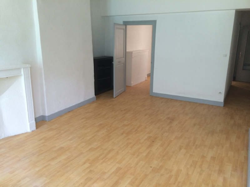 Rental apartment Nevers 360€ CC - Picture 3
