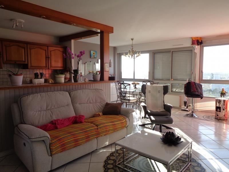 Sale apartment Niort 107000€ - Picture 3
