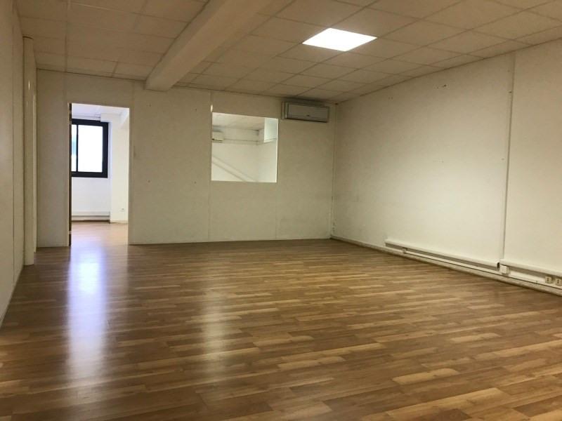 Rental empty room/storage Six-fours-les-plages 1085€ CC - Picture 1