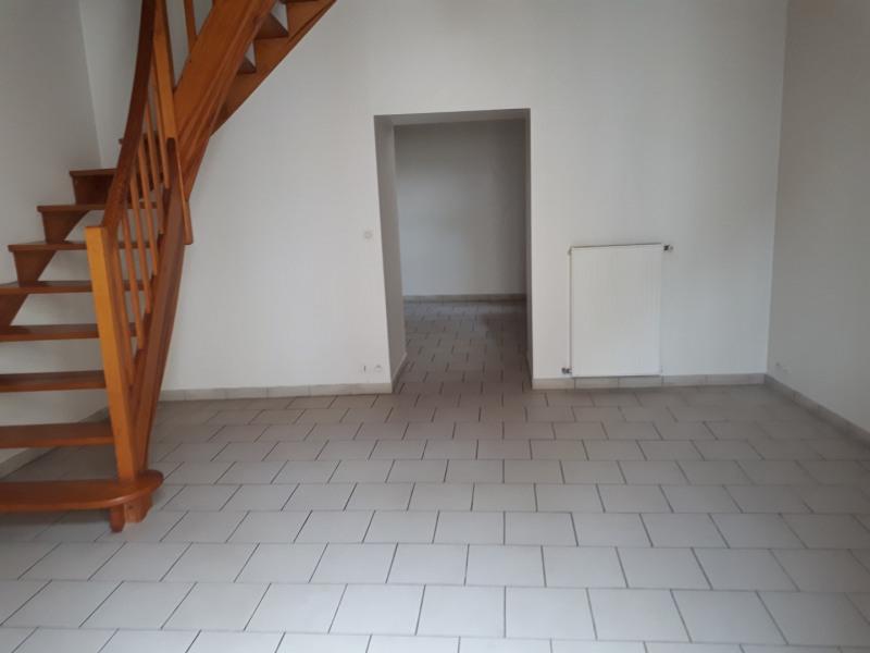 Location maison / villa Castres-gironde 600€ CC - Photo 2