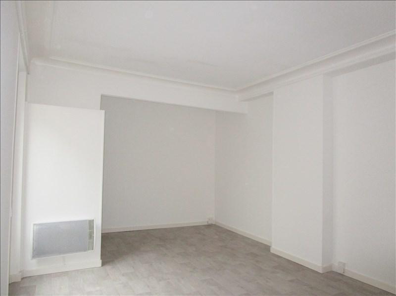 Sale apartment Versailles 239000€ - Picture 3