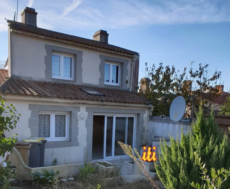 Sale house / villa Vaire 136700€ - Picture 1