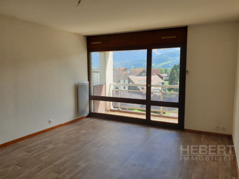 Rental apartment Sallanches 750€ CC - Picture 2